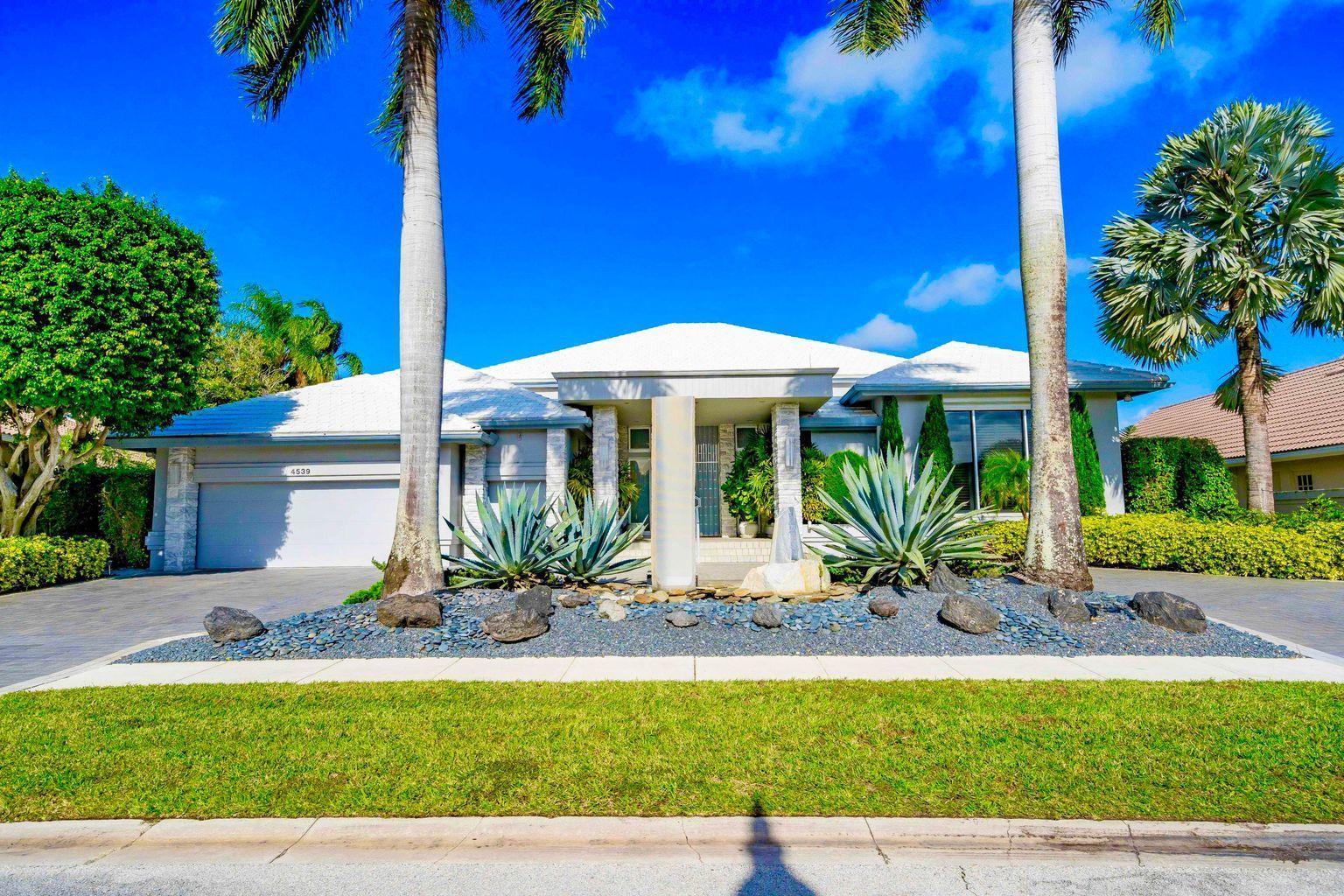 4539  Bocaire Boulevard  For Sale 10718019, FL