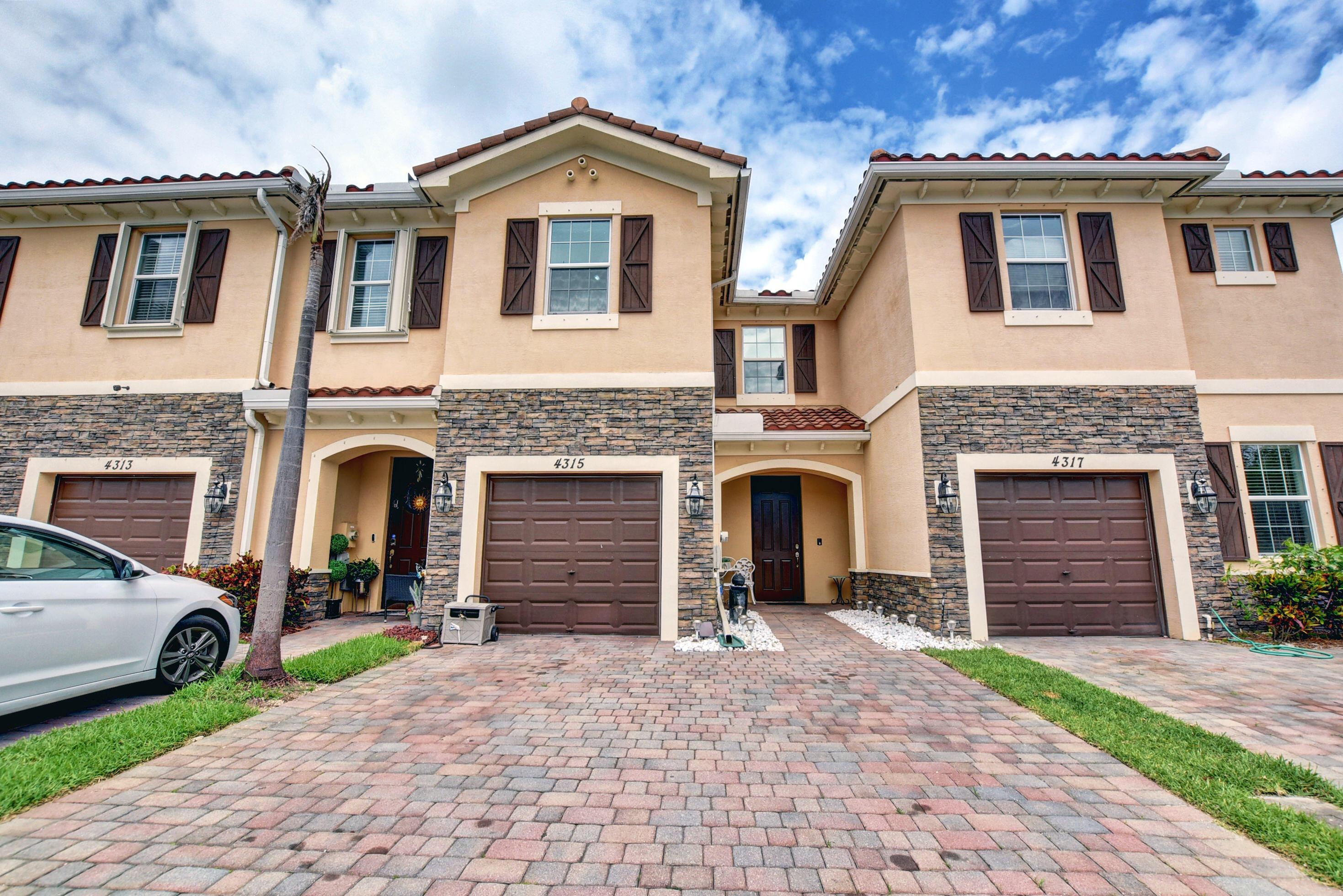 4315  Chalmers Lane  For Sale 10717854, FL