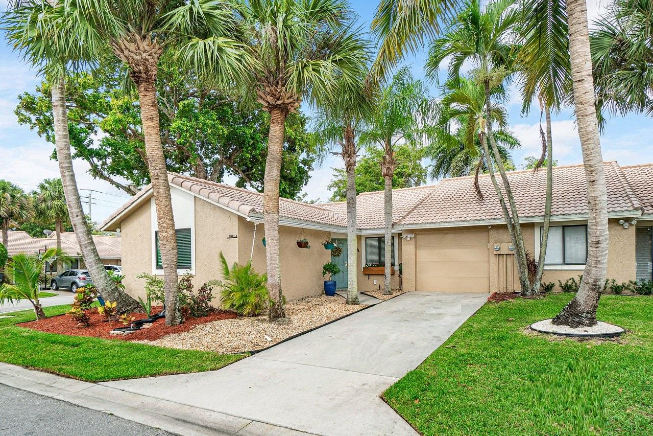 9941  61st Way A For Sale 10718170, FL