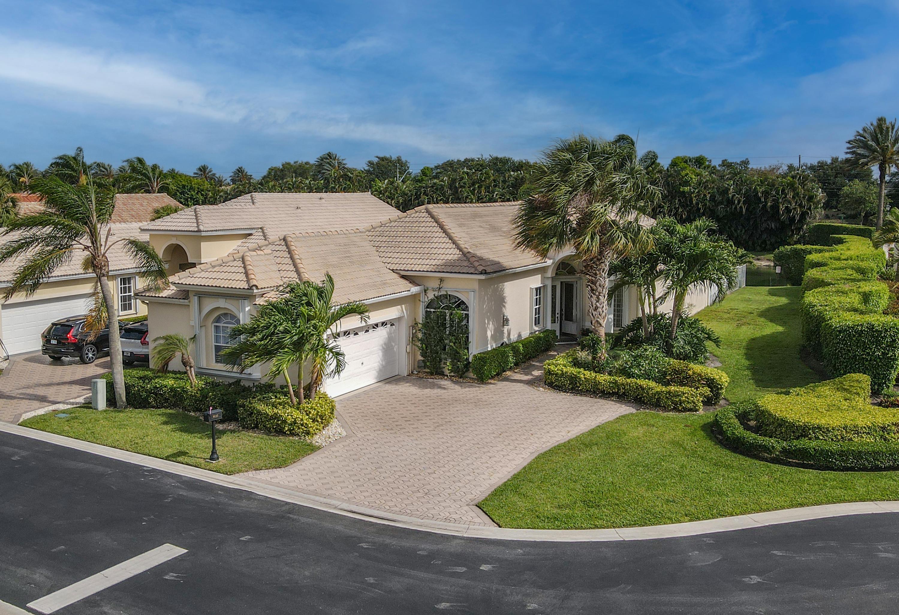 9115  Long Lake Palm Drive  For Sale 10717943, FL