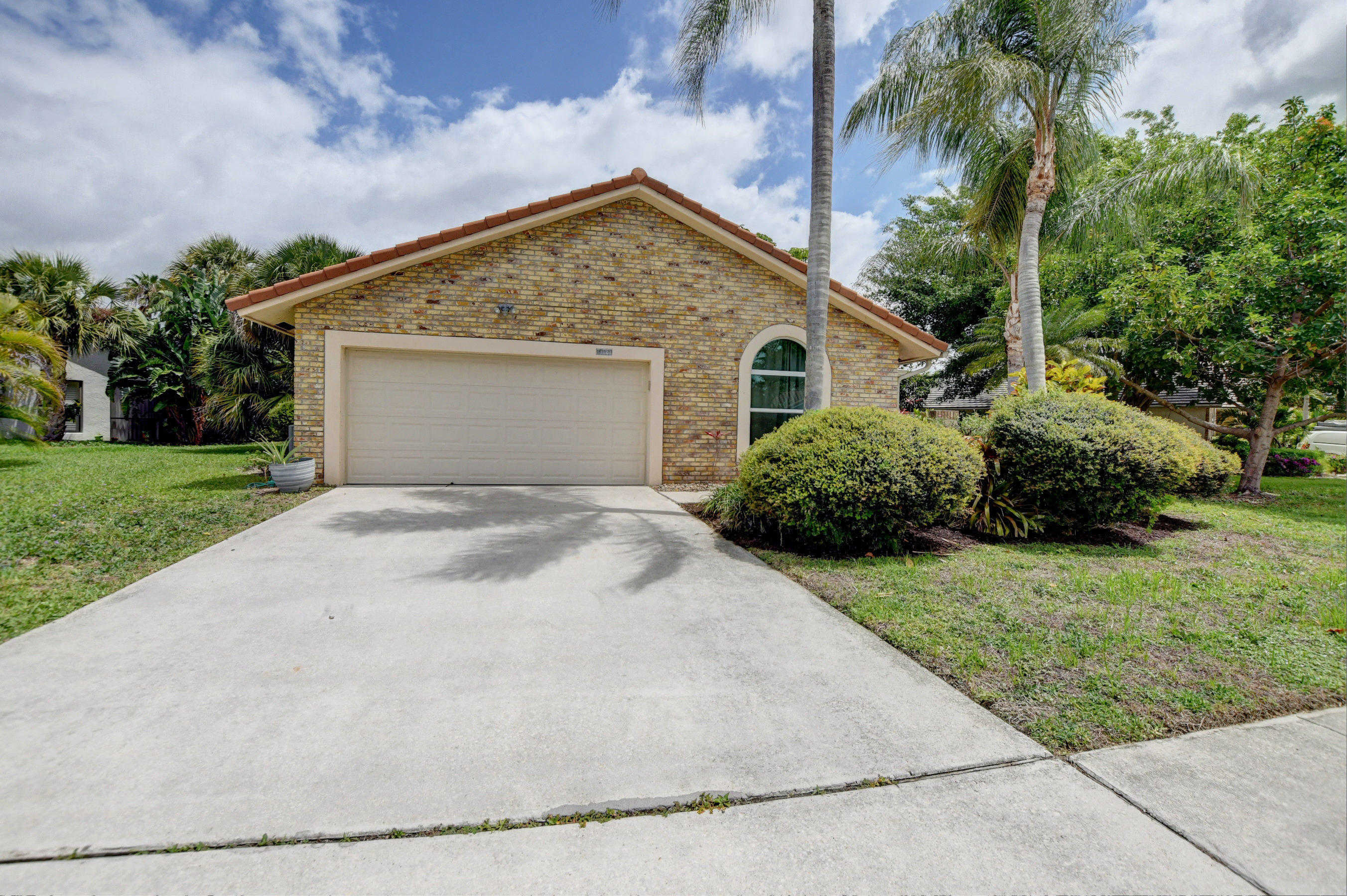 1018 Camelback Lane Boca Raton, FL 33498