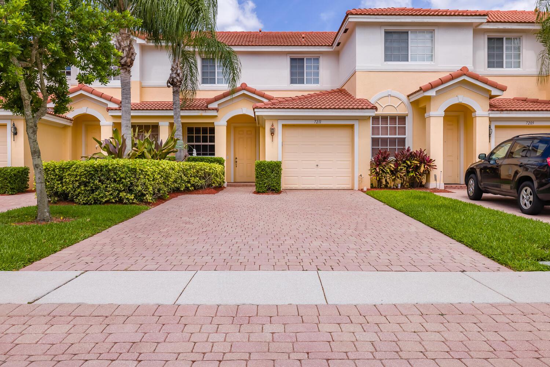 7211  Briella Drive  For Sale 10717871, FL