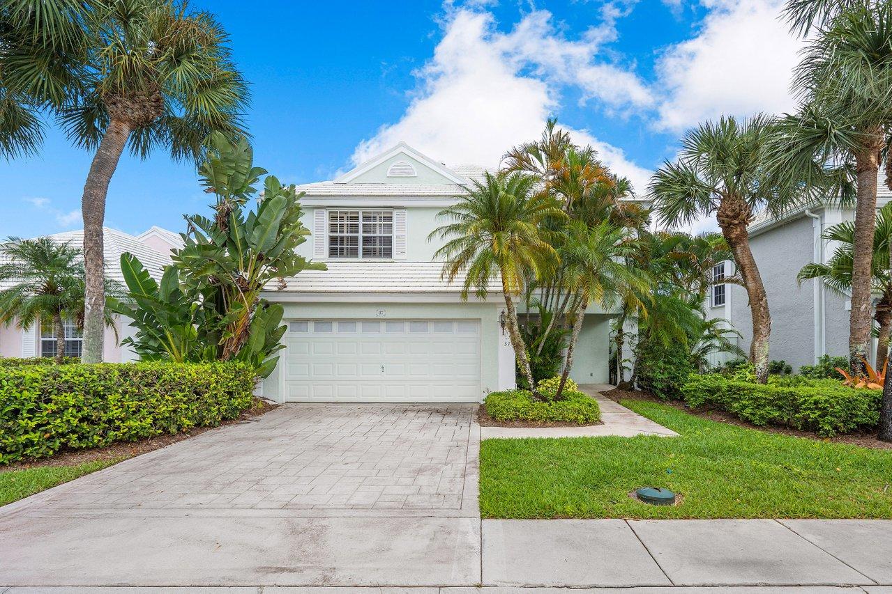 37 Windsor Lane Palm Beach Gardens, FL 33418