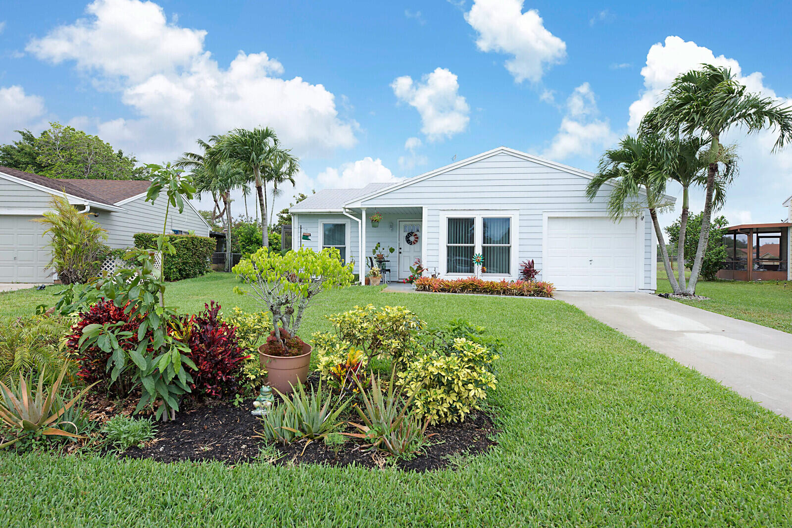 5420  Courtney Circle  For Sale 10717862, FL