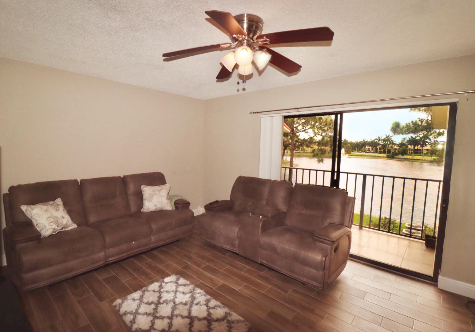 1580 Windorah Way E West Palm Beach, FL 33411