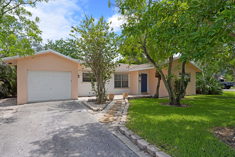 301 NW 21st Street Boca Raton, FL 33431