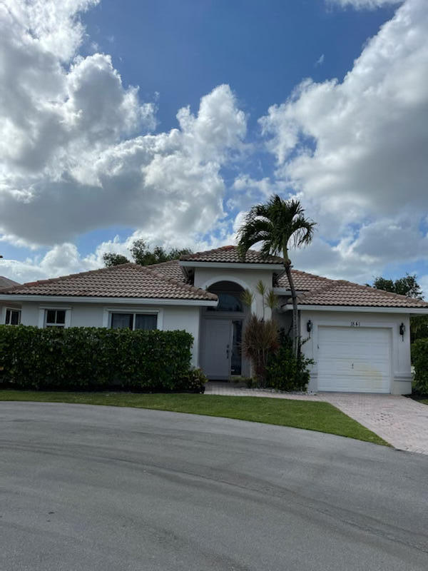 1841  Capeside Circle  For Sale 10718079, FL