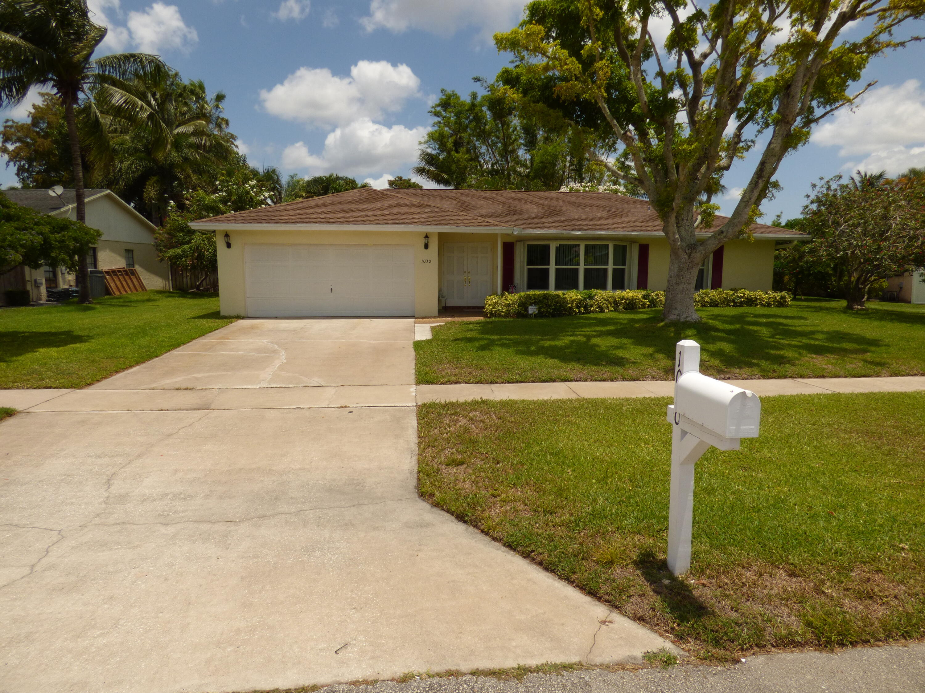 1030  Hickory Trail  For Sale 10718222, FL
