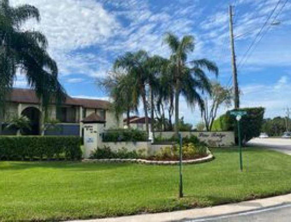 4695 Sable Pine Circle D2 West Palm Beach, FL 33417