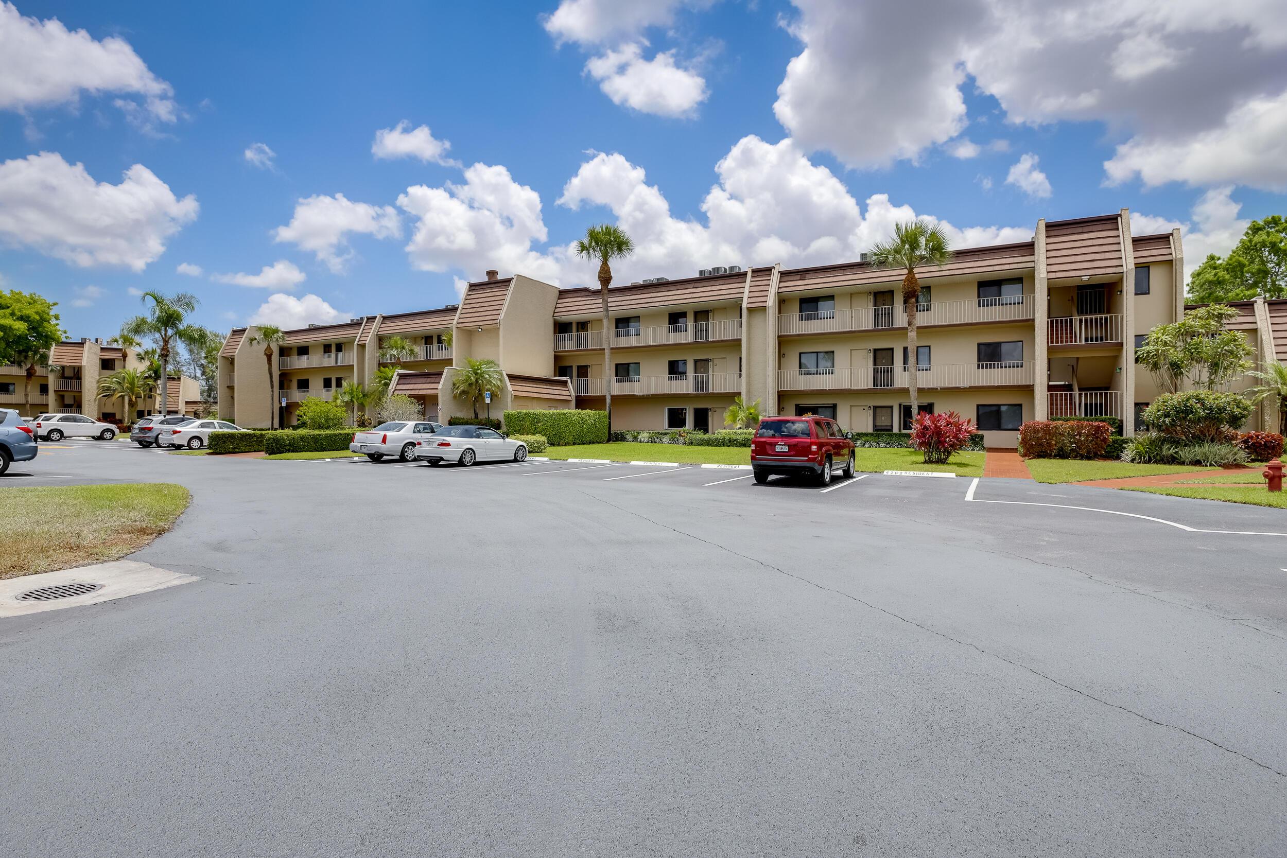 4260  Deste Court 205 For Sale 10718594, FL
