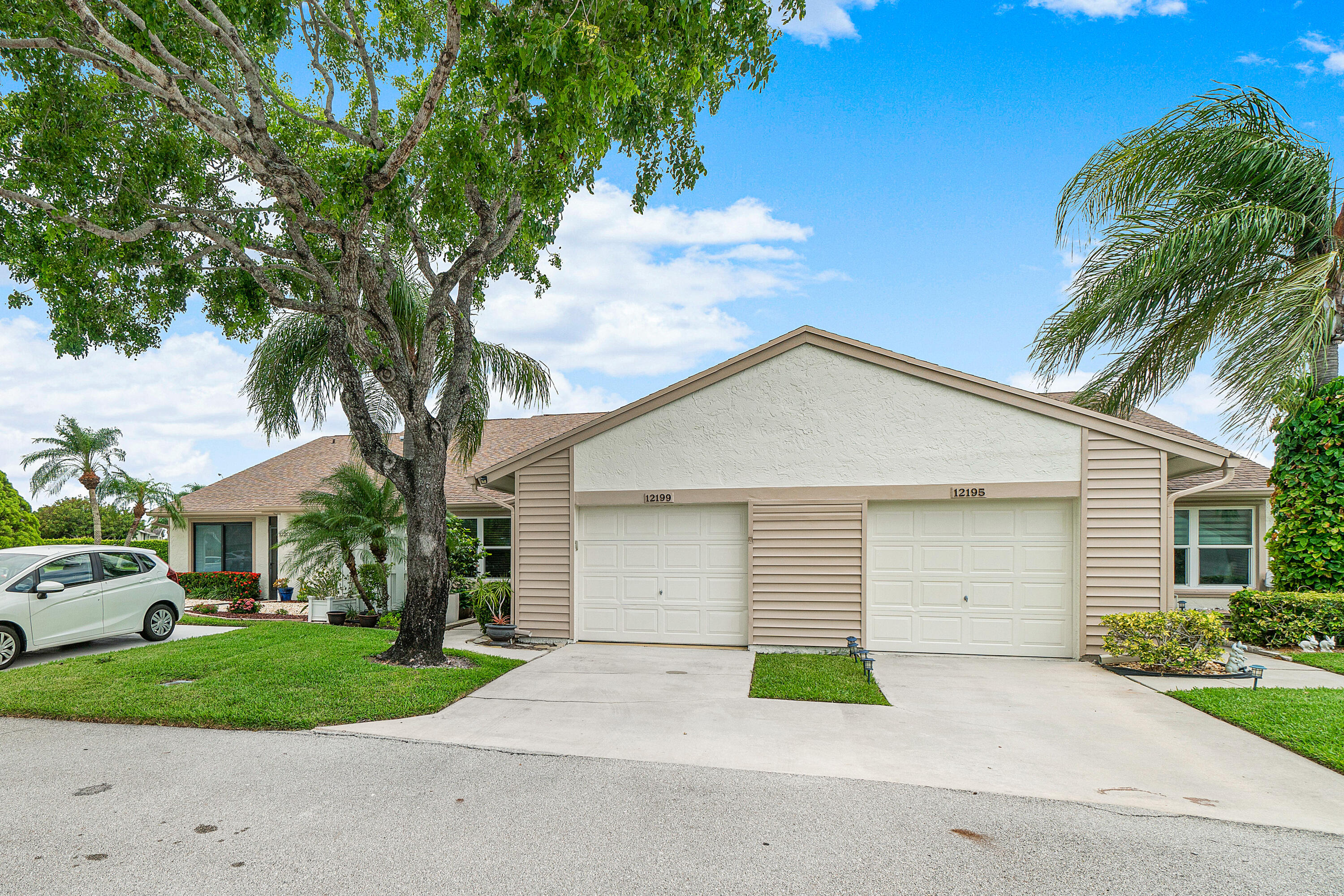 12199  Forest Greens Drive  For Sale 10718276, FL