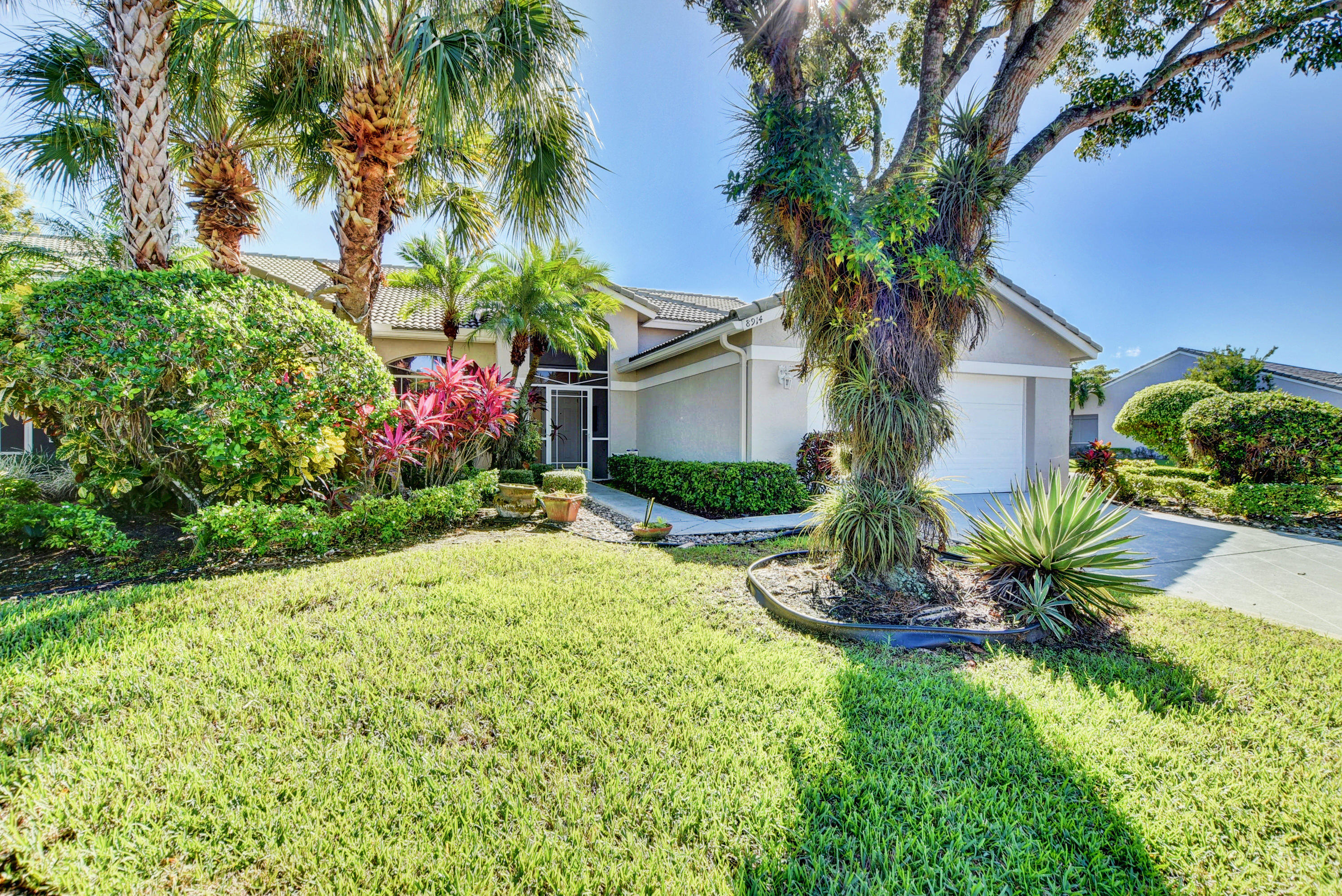 8914  Brittany Lakes Drive  For Sale 10718317, FL