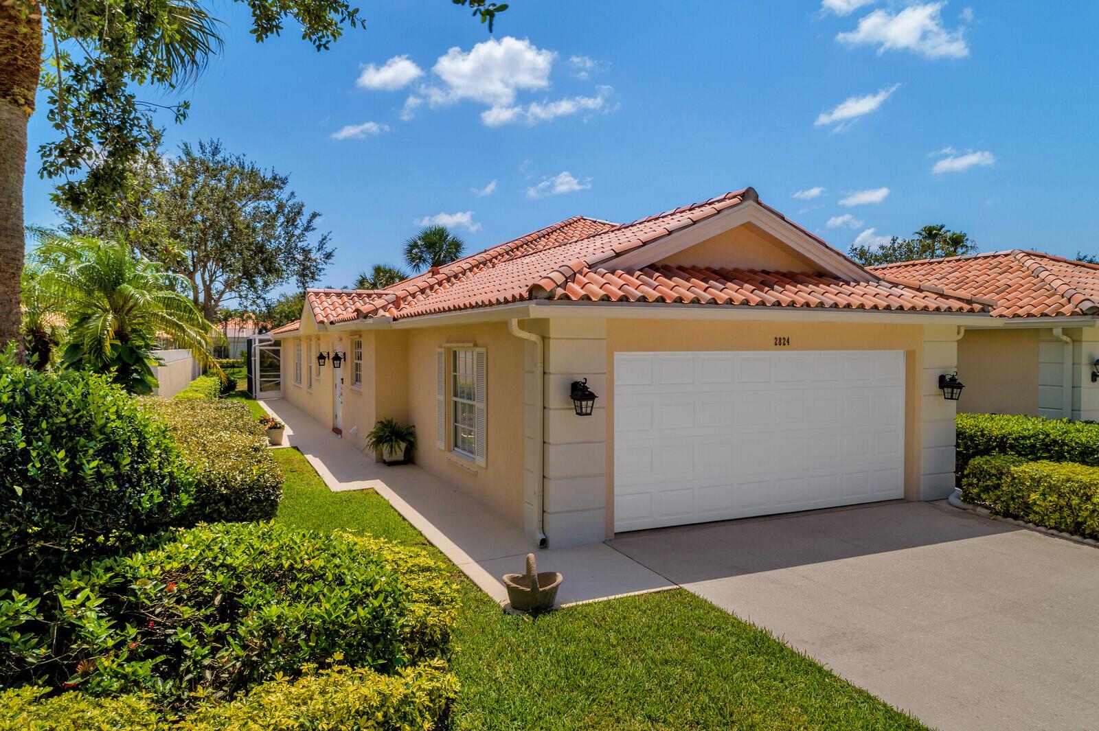 2824  Livingston Lane  For Sale 10718374, FL