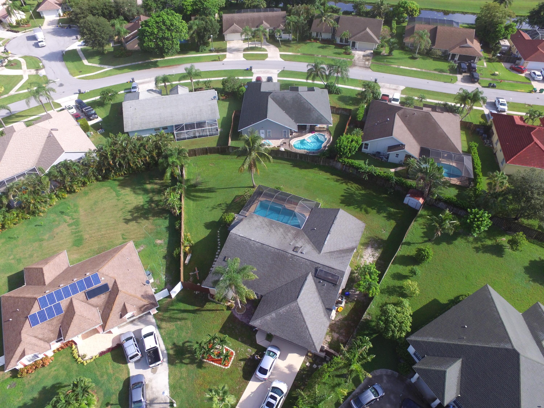 2433  Elgin Court  For Sale 10718500, FL
