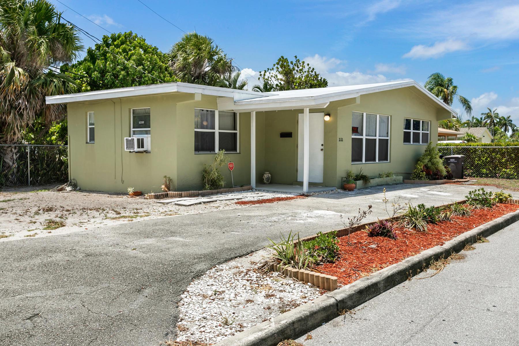 2121  Parker Avenue  For Sale 10718542, FL