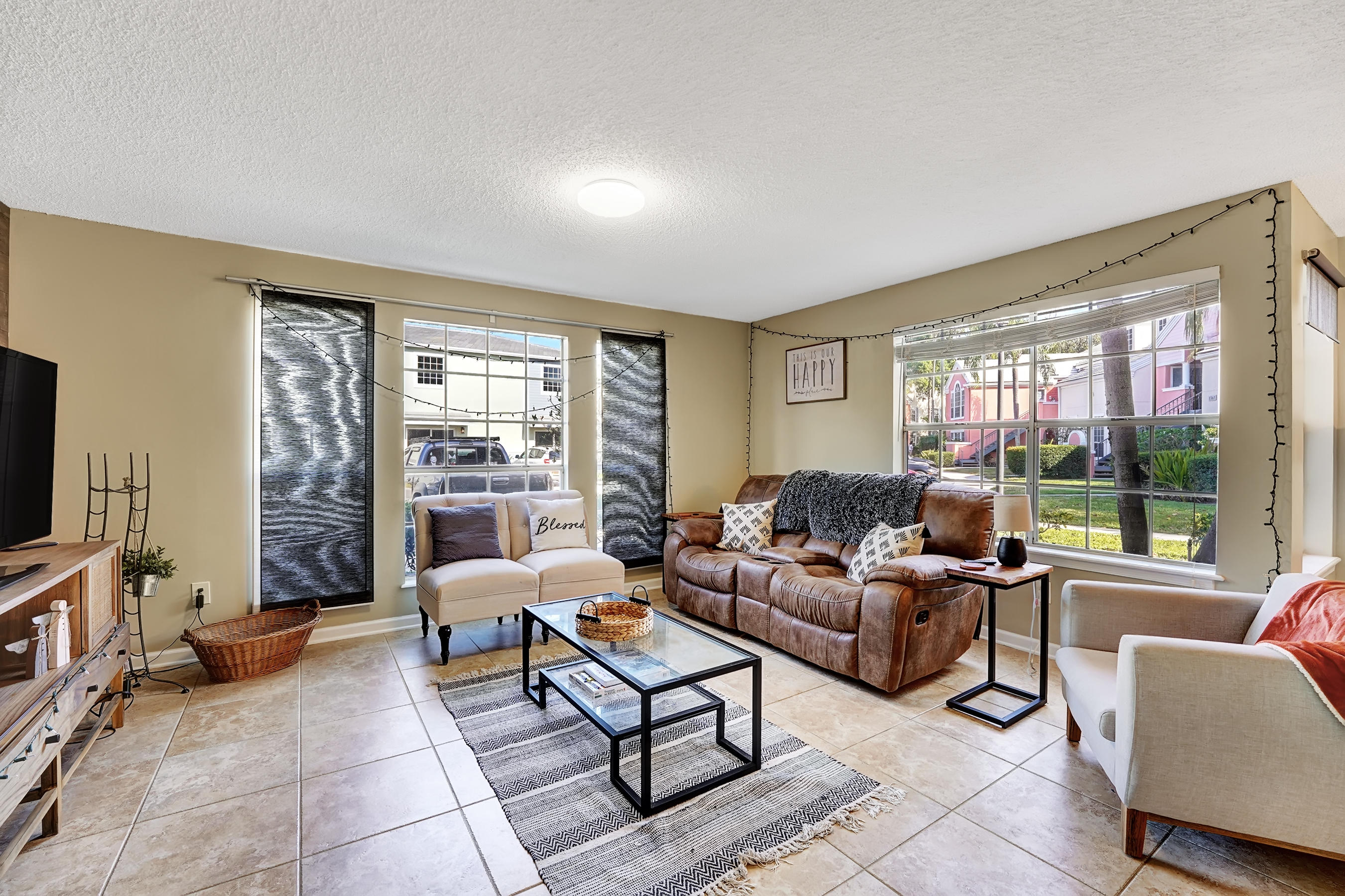 1345  Crystal A Way A For Sale 10719146, FL