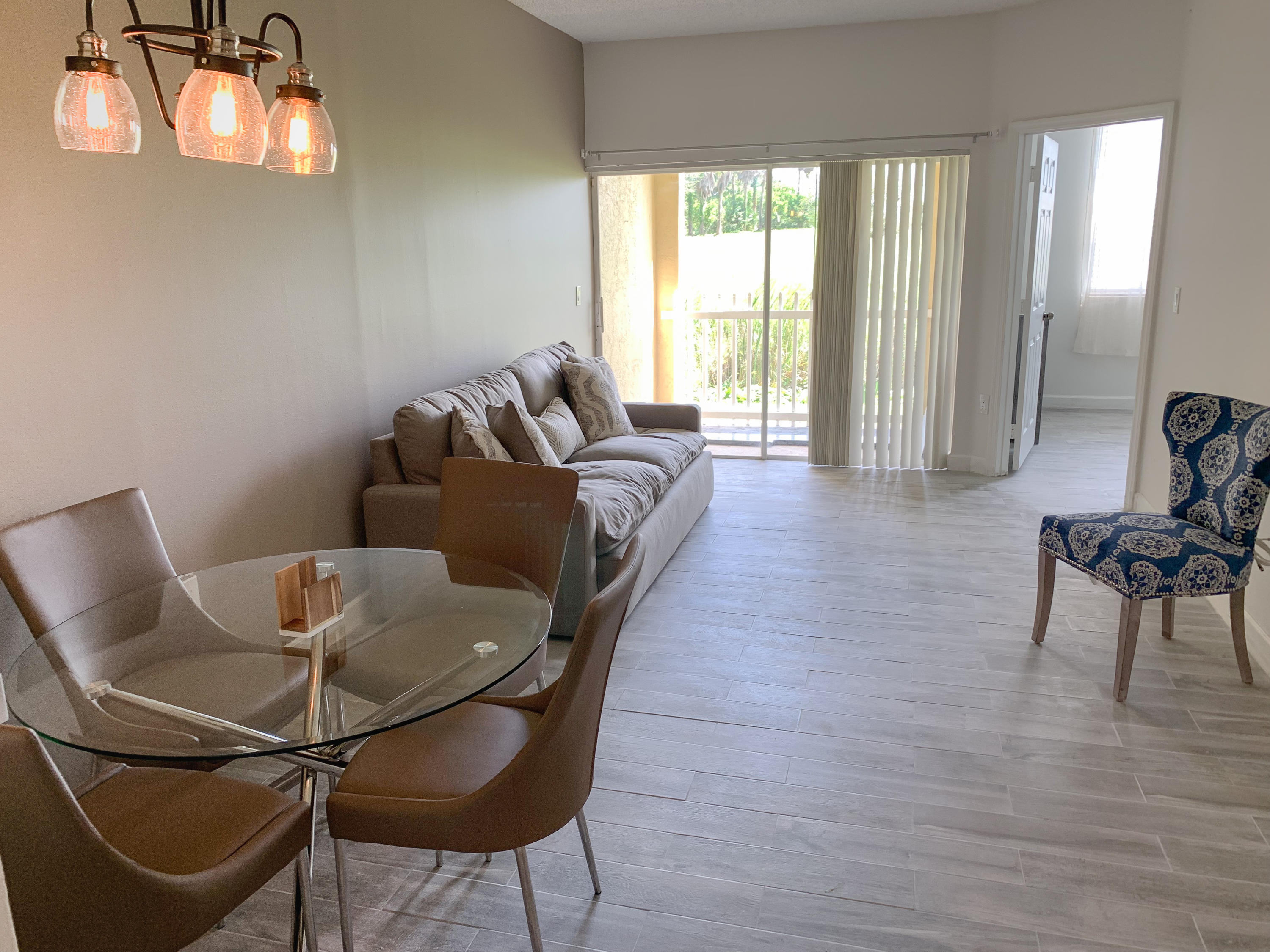 2060  Greenview Shores Boulevard 302 For Sale 10721597, FL