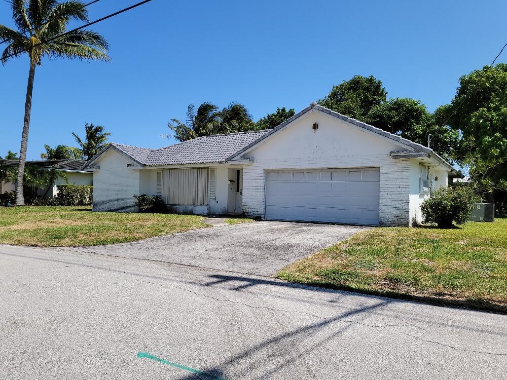 742 Appleby Street Boca Raton, FL 33487