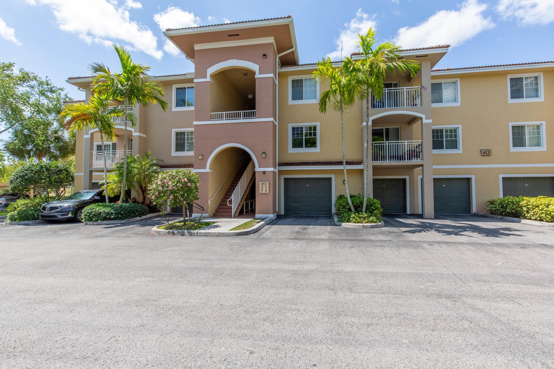 6521  Emerald Dunes Drive 202 For Sale 10718756, FL