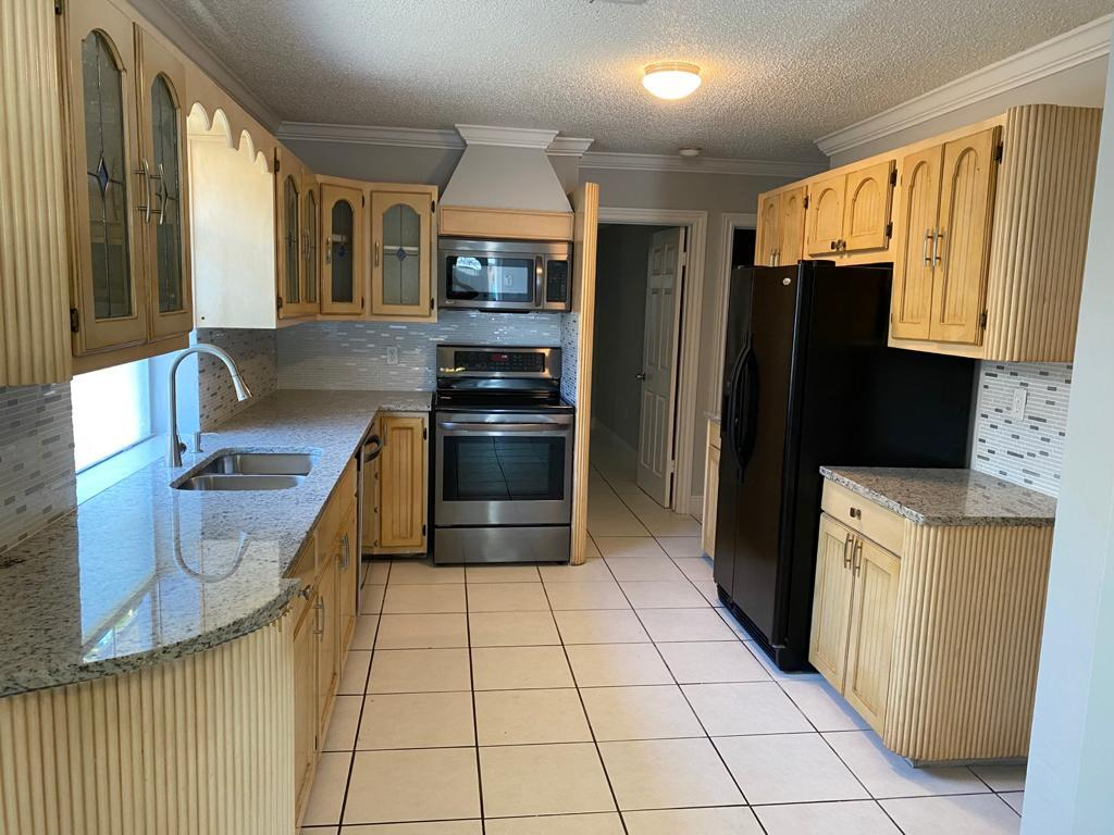 Wood Kitchen W/Granite Counters