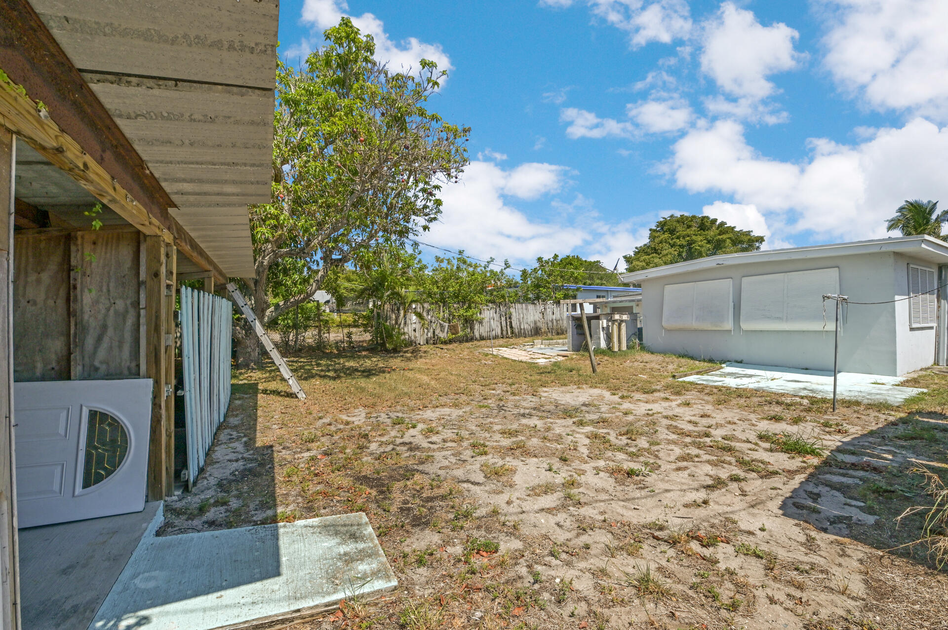1092 James Road Lantana, FL 33462 photo 16