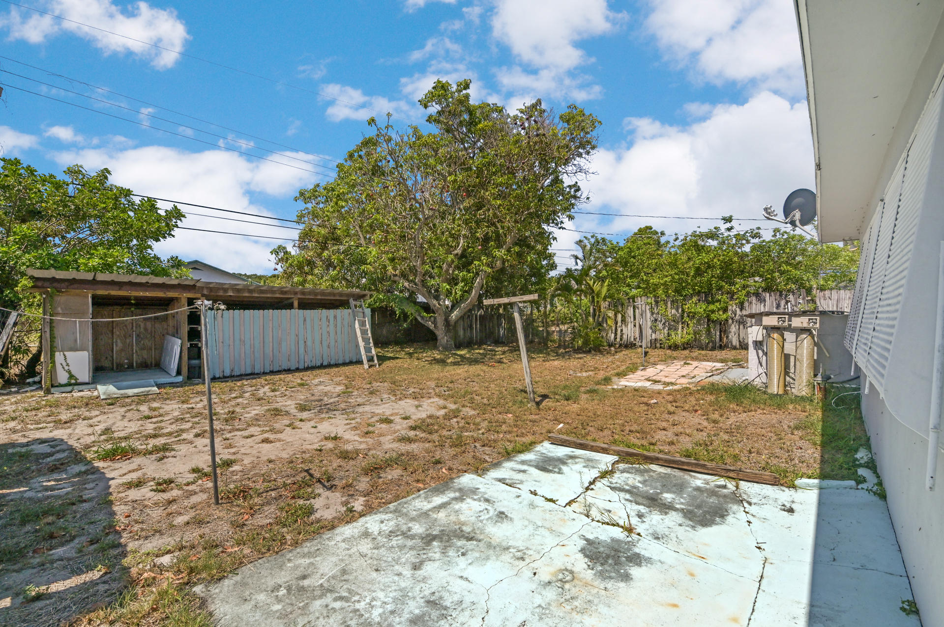 1092 James Road Lantana, FL 33462 photo 17