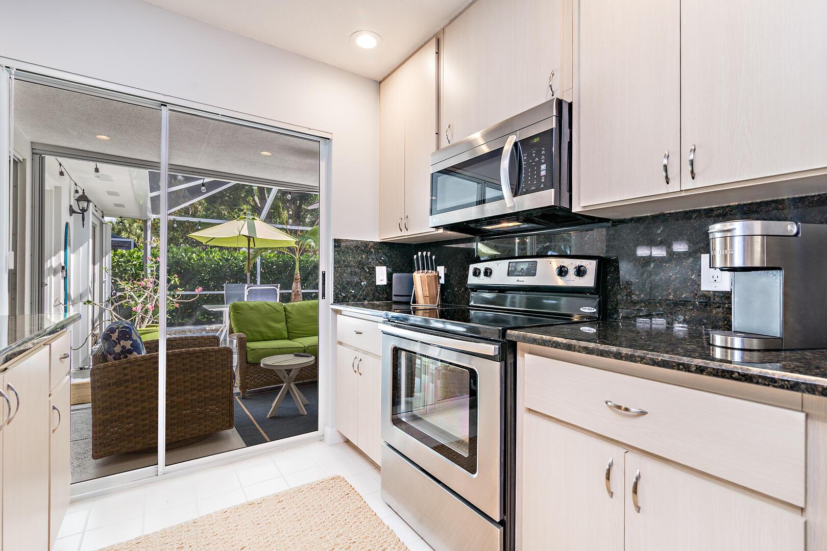 8002 Chapman Oak Court Palm Beach Gardens, FL 33410 photo 8