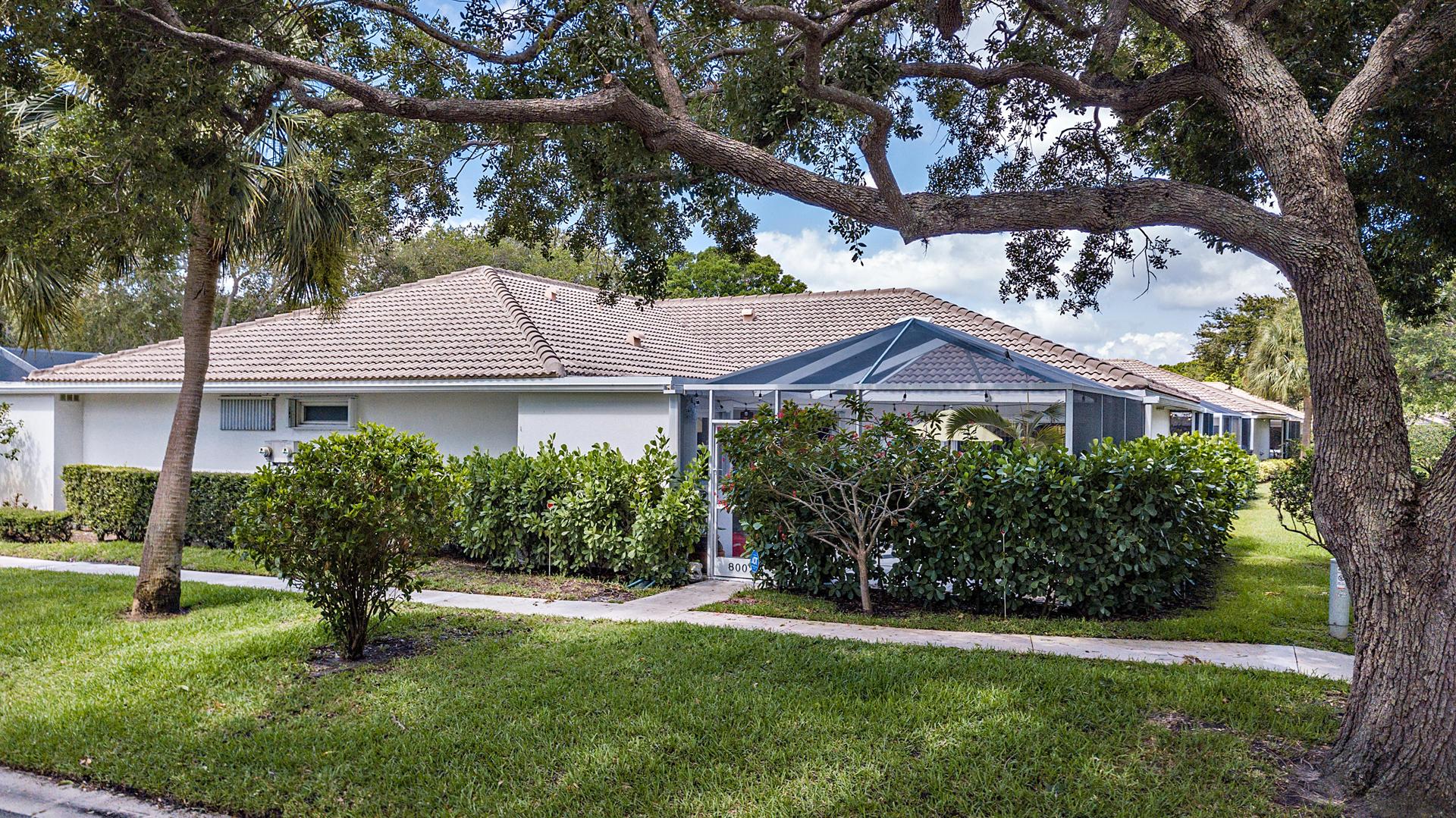 8002  Chapman Oak Court  For Sale 10720636, FL