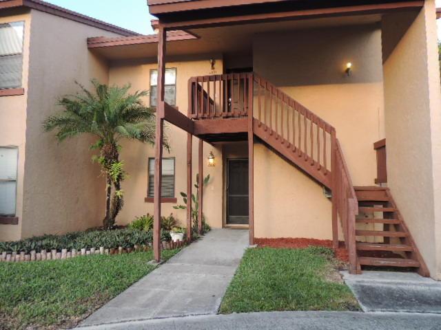 2007 Lakeview Drive Royal Palm Beach, FL 33411