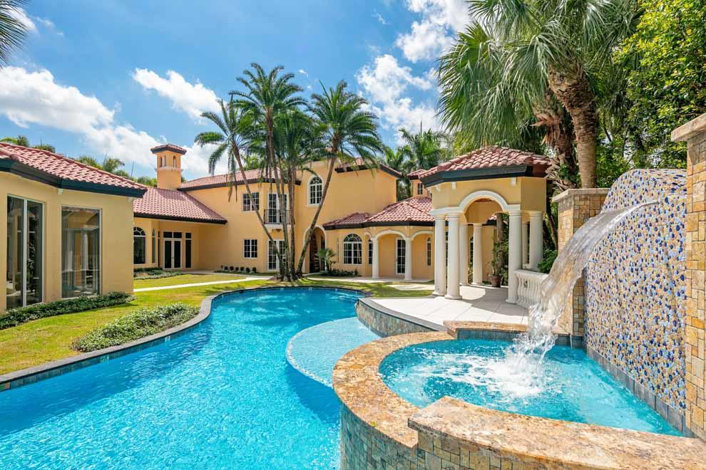 7539  Isla Verde Way  For Sale 10711186, FL