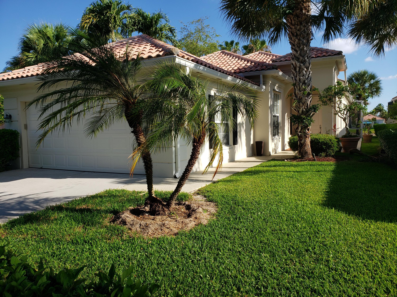4678  Hammock Circle  For Sale 10718405, FL