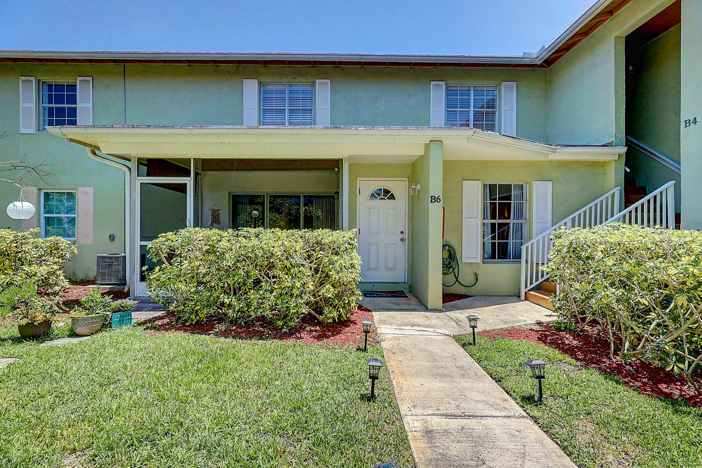 12036 Alternate A1a B6 Palm Beach Gardens, FL 33410