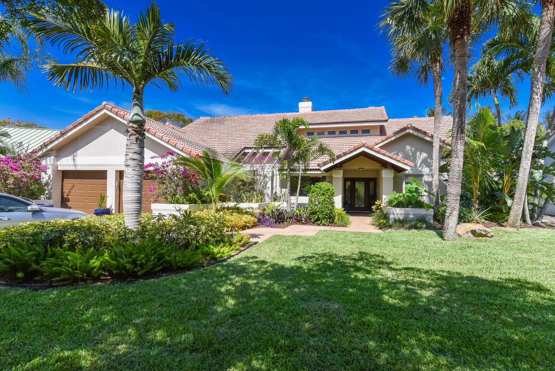 1480  Parkside Circle  For Sale 10718656, FL