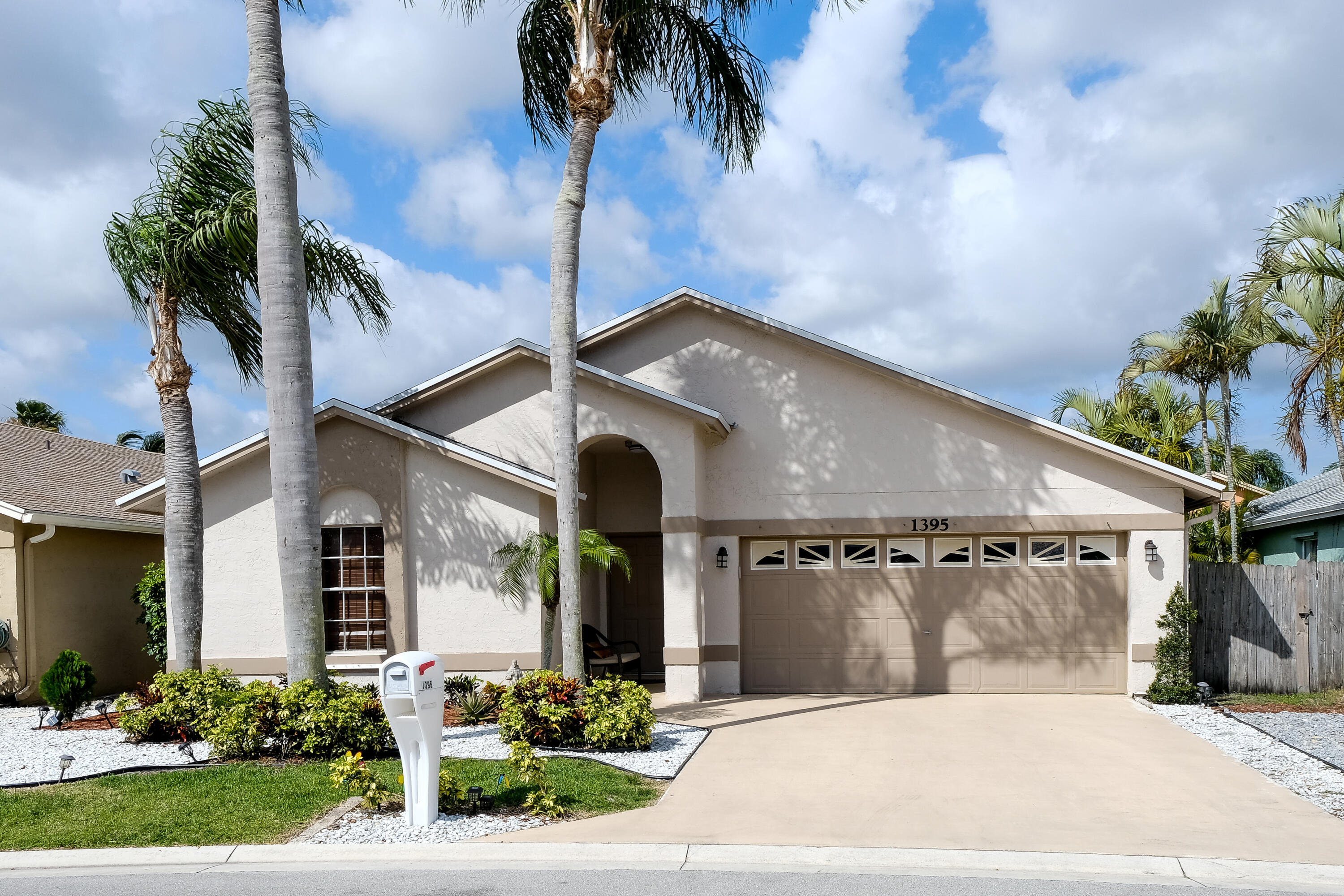 1395  Waterway Cove Drive  For Sale 10719134, FL