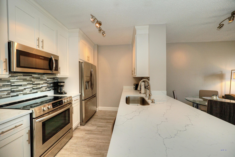 630 S Sapodilla Avenue 431 For Sale 10719591, FL