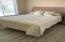 QUEEN BED IN GUEST ROOM