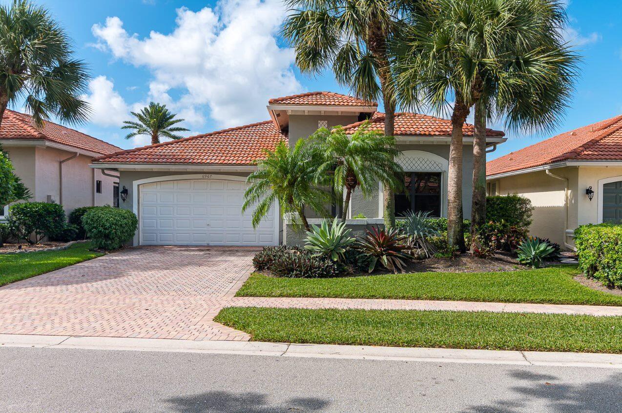 6967  Boscanni Drive  For Sale 10719221, FL