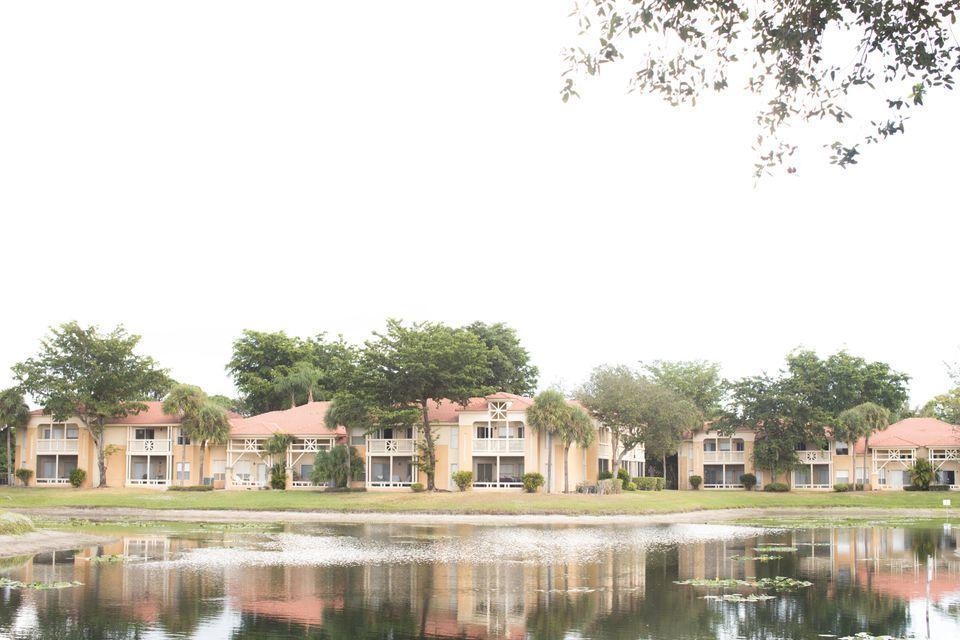 4767  Via Palm Lake 205 For Sale 10719281, FL