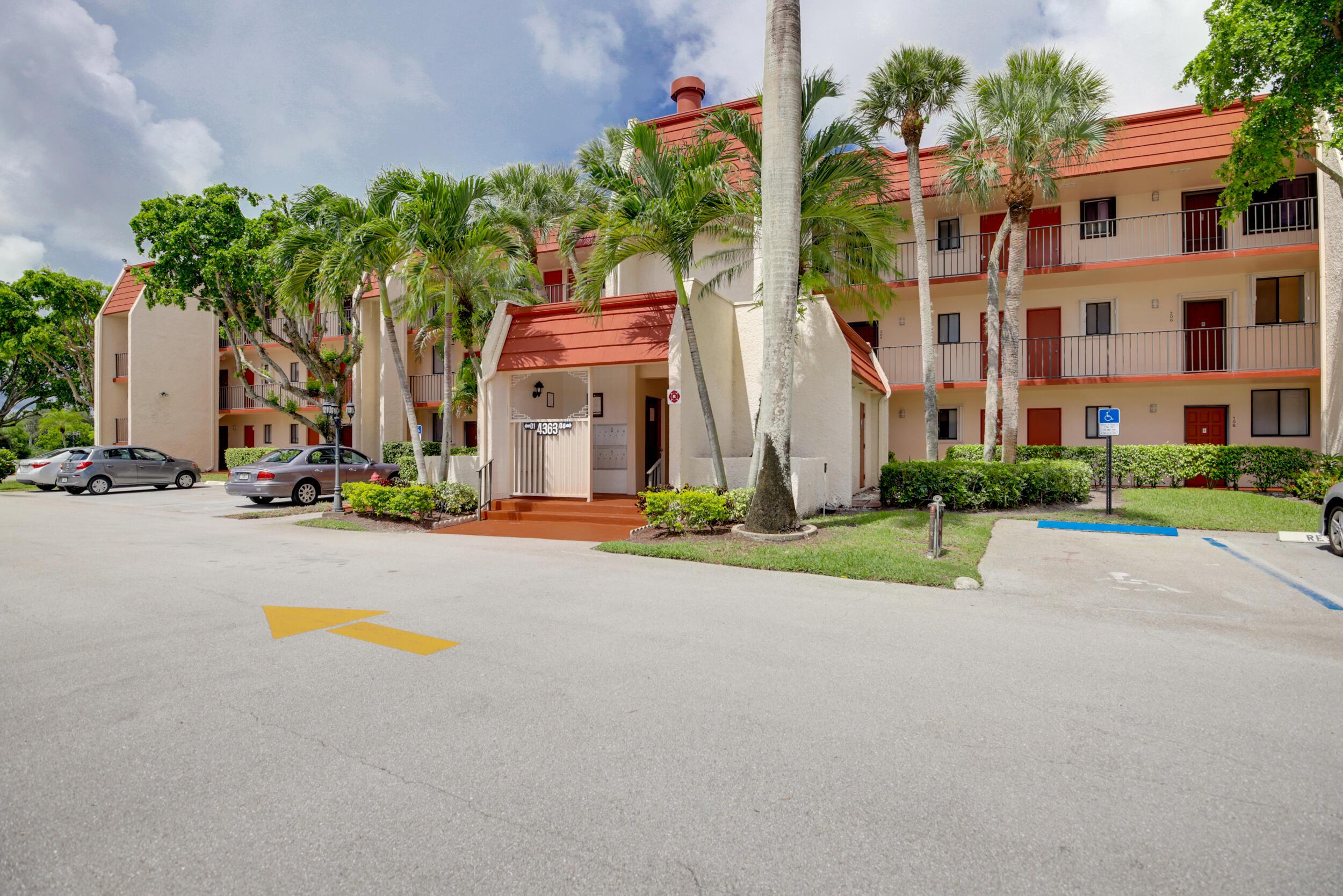 4363  Trevi Court 104 For Sale 10719430, FL