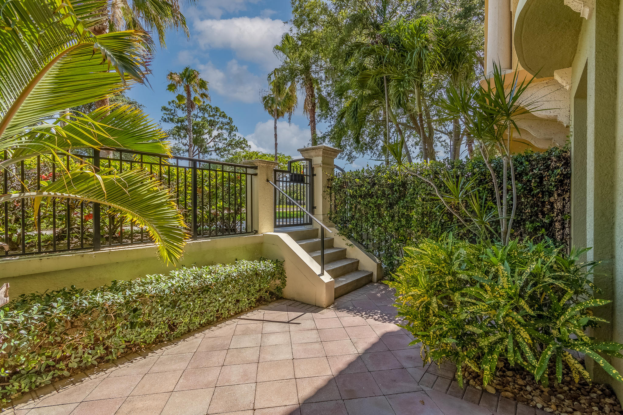 2570 Gardens Parkway 3702 Palm Beach Gardens, FL 33410