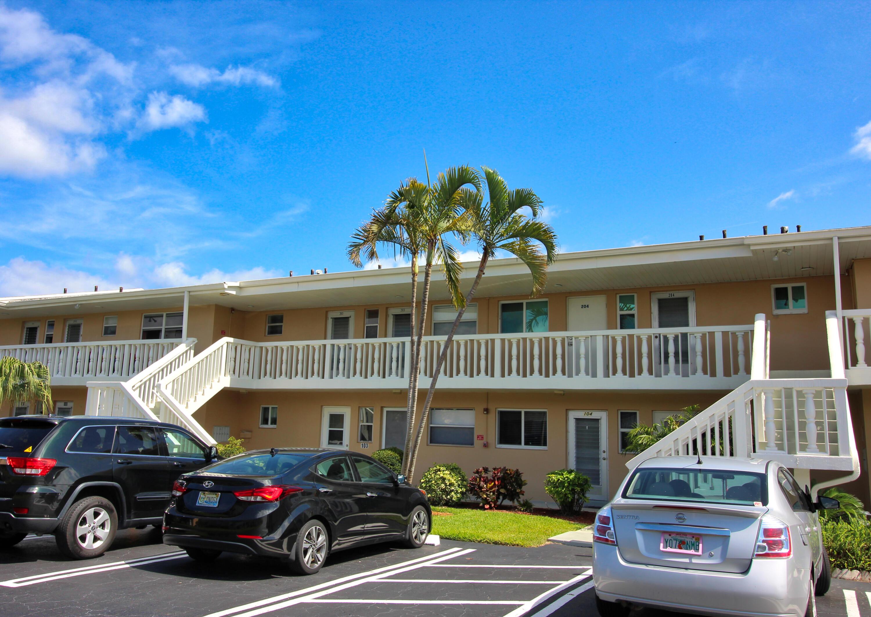 2121 NE 1st Court 203 Boynton Beach, FL 33435