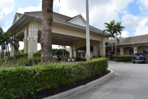 4465 Luxemburg Court Court, 207, Lake Worth, FL 33467