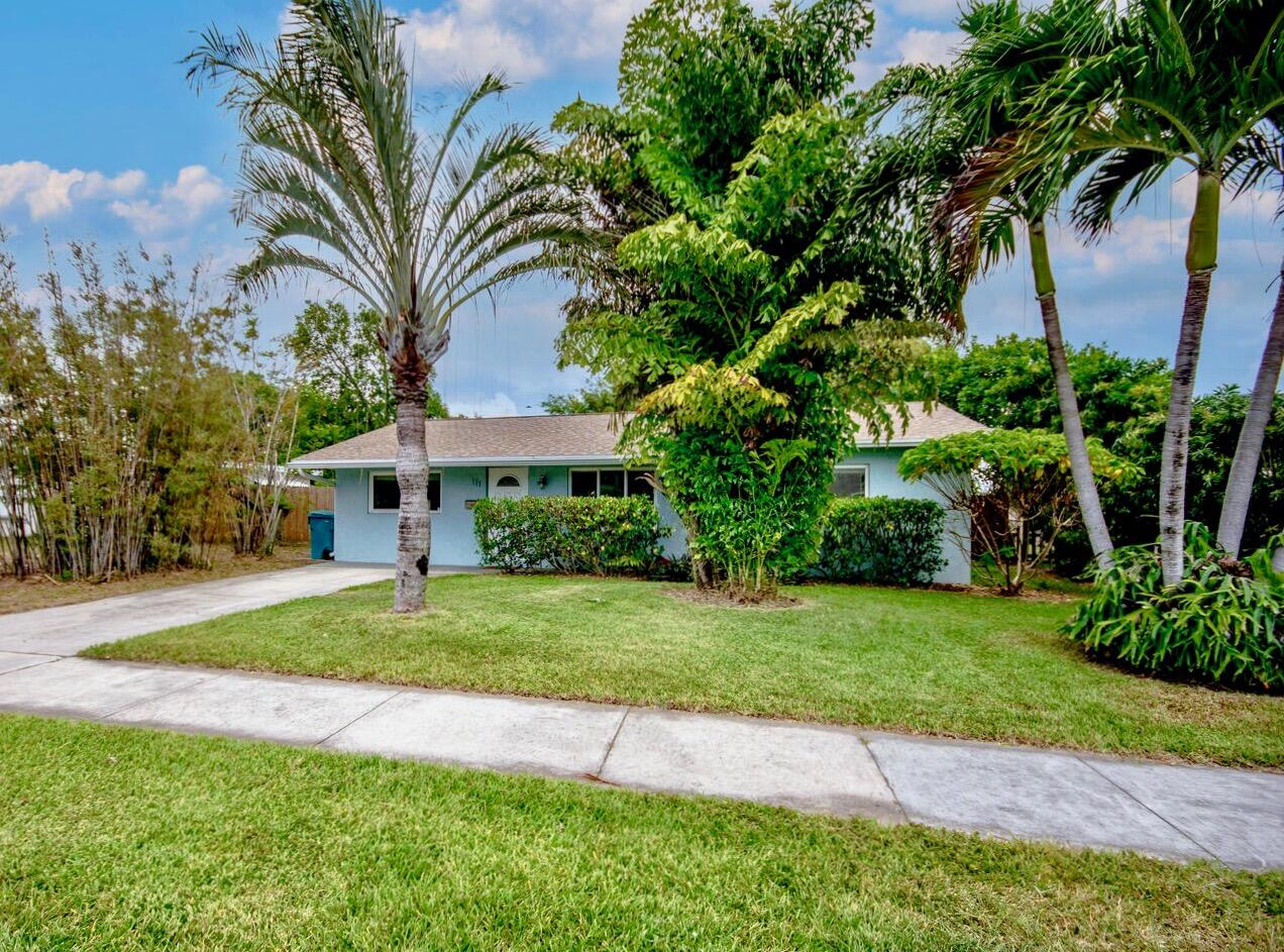 111 SE 11th Avenue Boynton Beach, FL 33435