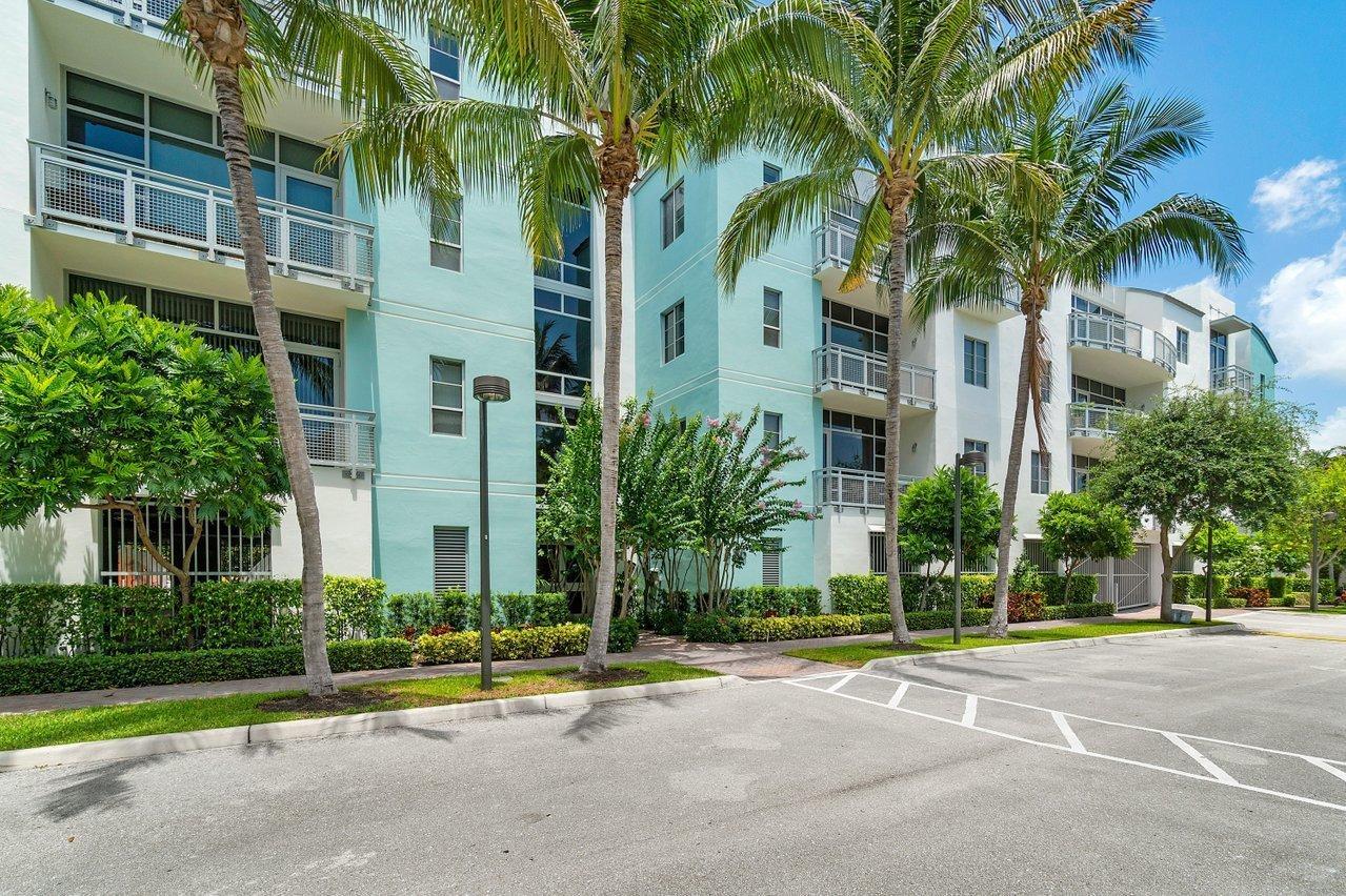 335 SE 6th Avenue 212 For Sale 10719401, FL