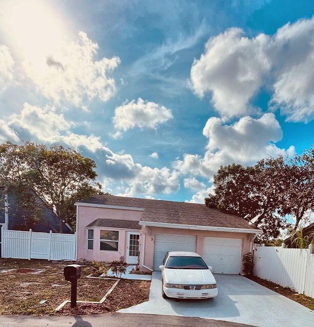 3  Paxford Lane  For Sale 10719511, FL