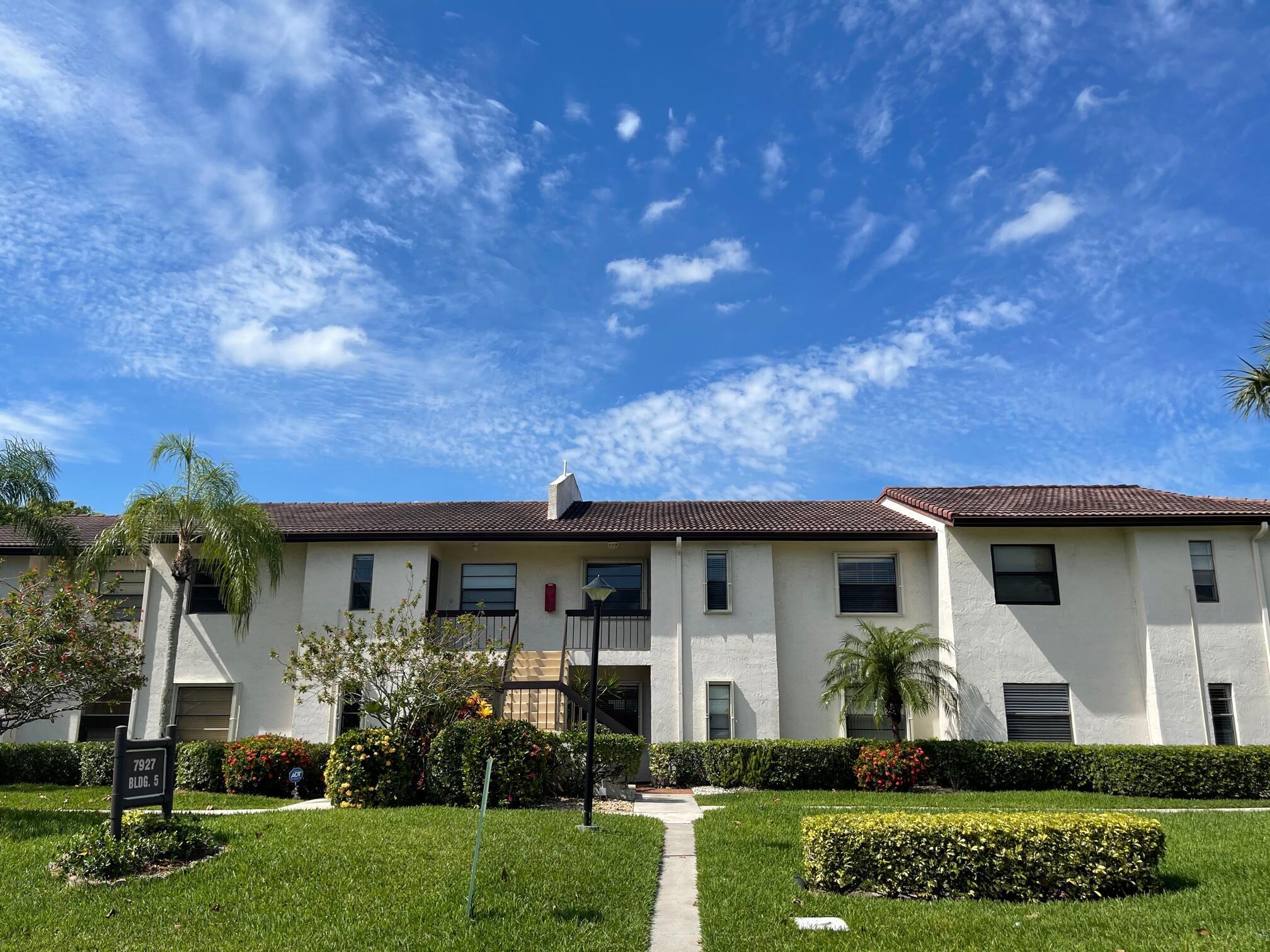 7927  Eastlake Drive 5-D For Sale 10719602, FL