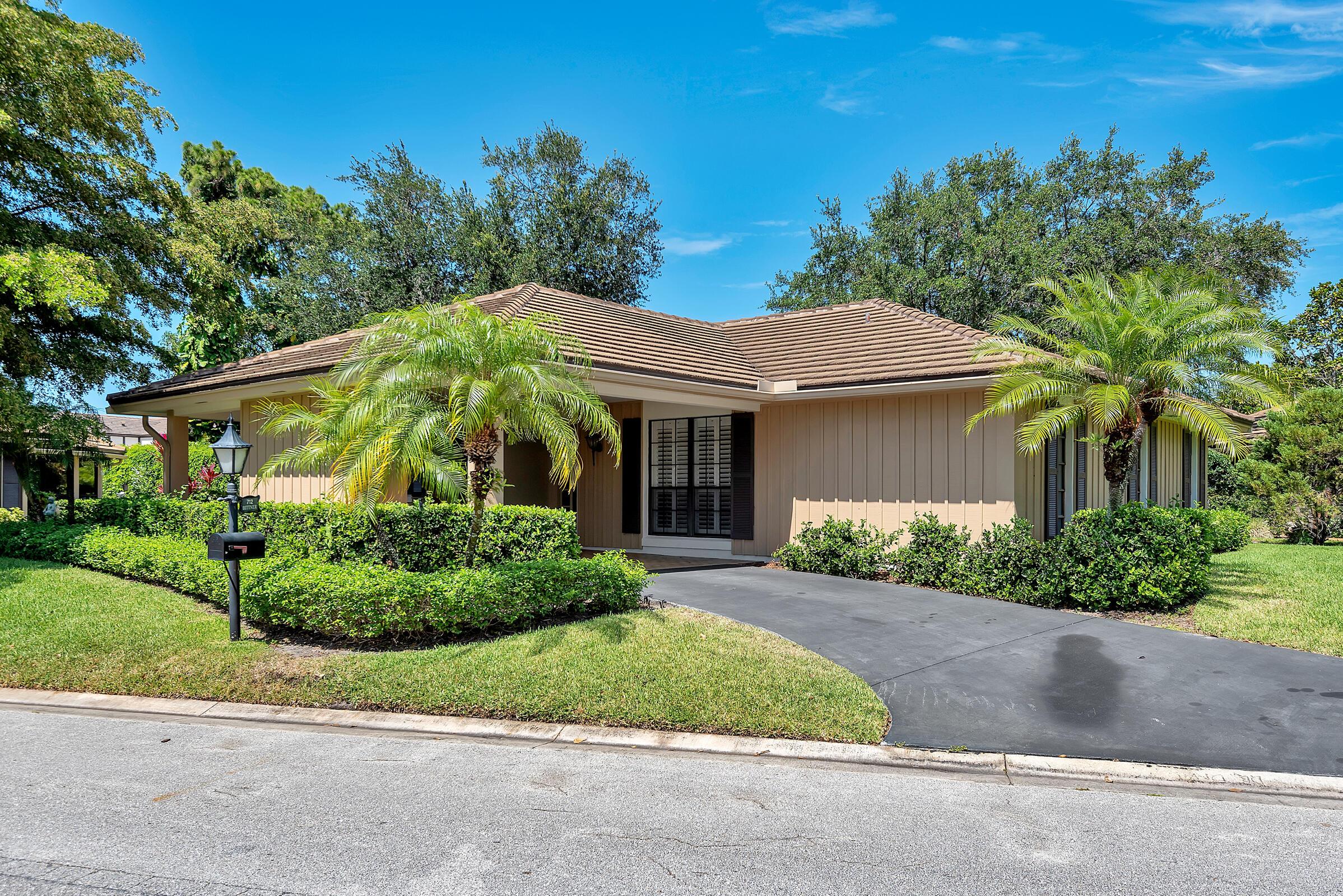 Home for sale in MUIRFIELD VILLAS Atlantis Florida