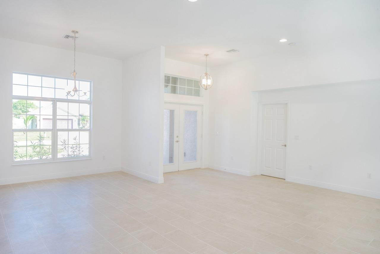 Listing photo id 8 for 3898 Chaffin Street Sw