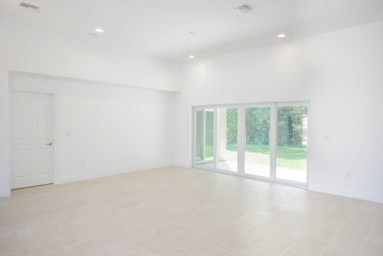 Listing photo id 10 for 3898 Chaffin Street Sw