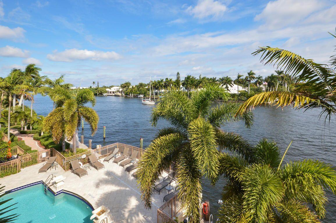 3104  Waterside Circle  For Sale 10719847, FL
